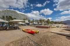 埃拉特,以色列- 2017年2月, 15日:中央公开海滩在埃拉特 库存图片