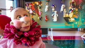 埃斯基谢希尔,土耳其- 2017年4月08日:在陈列显示的艺术玩偶叫Arzu'nun Bebekleri在NeoPlus中心在埃斯基谢希尔 免版税库存照片