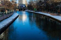 埃斯基谢希尔,土耳其- 2017年1月11日:Porsuk河, Esk看法  库存图片