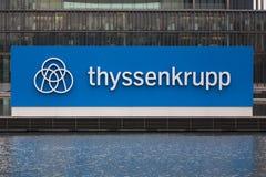 埃森,北莱茵-威斯特法伦/德国- 22 11 18:蒂森克虏伯股份公司quartier总部在埃森德国 库存照片