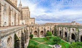 埃武拉大教堂,最大的大教堂的修道院在葡萄牙 免版税库存照片