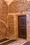 埃武拉,葡萄牙- 2014年4月30日:骨头的教堂在埃武拉 库存图片