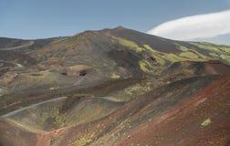 埃特纳火山在春天喷发 免版税库存图片