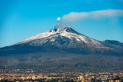 埃特纳火山火山和卡塔尼亚-西西里岛意大利 库存图片