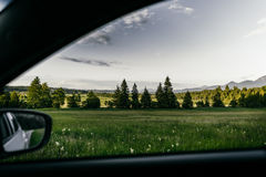 埃申洛黑驾驶春天的巴伐利亚路 库存照片