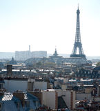 埃菲尔・法国巴黎屋顶浏览 库存图片