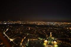 巴黎 埃菲尔晚上巴黎塔视图 库存照片