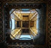 埃菲尔・法国巴黎塔 巴黎是一个多数popu 库存照片