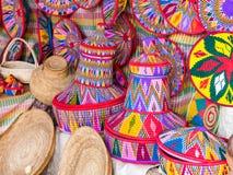 埃赛俄比亚的手工制造Habesha篮子在阿克苏姆,埃塞俄比亚卖了 免版税库存图片