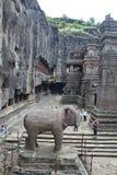 埃洛拉石窟,石头被雕刻的印度Kailasa寺庙,不使16,印度陷下 免版税库存照片