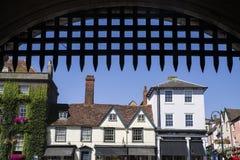 埋葬St埃德蒙兹看法从修道院门的 免版税库存图片