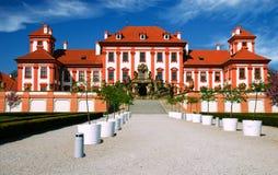 城堡中世纪布拉格troja 免版税库存图片