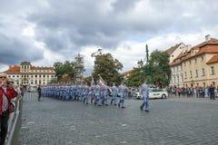 城堡仪式更改的卫兵布拉格 库存照片