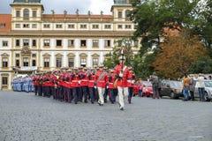 城堡仪式更改的卫兵布拉格 免版税库存照片