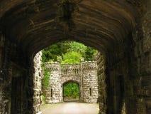 城堡入口护城河 免版税库存图片