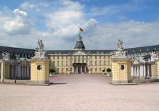 城堡卡尔斯鲁厄 免版税图库摄影