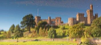 城堡反射 免版税库存照片