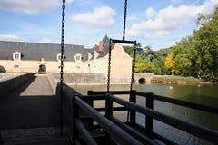 城堡吊桥 免版税库存图片