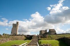 城堡和地面 免版税库存图片