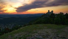 城堡和日落 免版税图库摄影