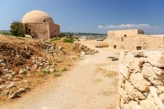 城堡和清真寺,罗希姆诺Fortezza,克利特,希腊 免版税库存照片