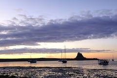 城堡圣洁海岛lindisfarne 免版税库存图片