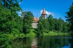 城堡在城市采斯瓦伊内,老 中世纪城堡14世纪 Latv 免版税库存照片