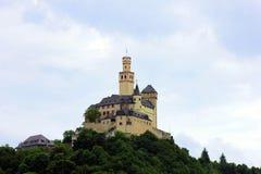 城堡在船上莱茵河 免版税库存照片