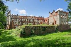 城堡在Krupe 免版税库存图片