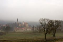 城堡在Sazava,捷克 免版税库存照片