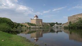 城堡埃尔曼威严的天的看法 纳尔瓦,爱沙尼亚 影视素材