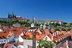 城堡城市布拉格地平线 免版税图库摄影