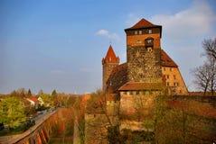 城堡城市德国nurnberg墙壁 库存图片