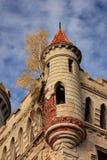 城堡壁角哥特式塔 免版税库存照片