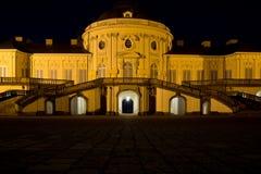 城堡孑然在晚上斯图加特 免版税库存照片