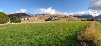 城堡小山新的全景岗位西兰 免版税库存图片