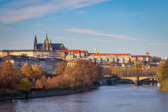 城堡布拉格河vltava 免版税图库摄影