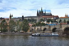 城堡布拉格视图 免版税库存照片