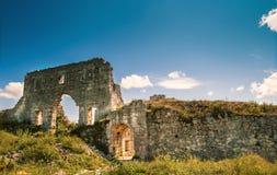 城堡废墟。Mangup无头甘蓝,克里米亚,乌克兰 免版税库存图片