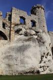 城堡废墟在Ogrodziencu 免版税库存图片