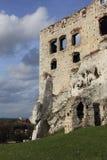 城堡废墟在Ogrodziencu 库存照片