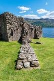 城堡废墟奈斯湖苏格兰 图库摄影