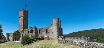 城堡废墟Koenigstein Taunus,德国的全景视图 图库摄影