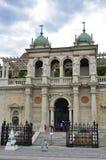 城堡庭院义卖市场的大门 免版税图库摄影