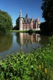 城堡庭院湖比利时 免版税库存照片