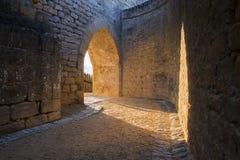 城堡拱道 免版税库存照片