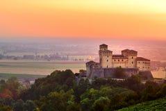 城堡日出torrechiara 库存照片