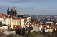 城堡欧洲老照片布拉格河旅行vltava 圣Vitus大教堂从Strahov修道院观察台的  布拉格 cesky捷克krumlov中世纪老共和国城镇视图 库存图片