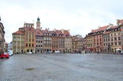 城堡正方形街道视图在华沙,波兰 库存照片