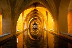 城堡浴皇家塞维利亚西班牙 免版税库存照片